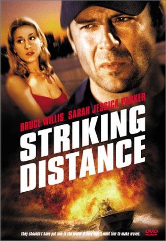 На расстоянии удара / Striking Distance (1993)